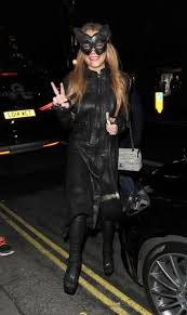 Halloween Costume Ring Lindsay Lohan Rocks Fake Engagement Ring Halloween Party