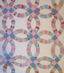 wedding ring quilt wedding ring quilt with outer border sold rennels