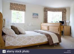 Schlafzimmer In Beige Braun Patterned Quilt On Bed In Stockfotos U0026 Patterned Quilt On Bed In