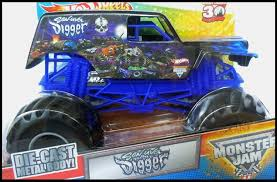 toy grave digger monster truck amazon com wheels monster jam son uva grave digger 1 24 scale