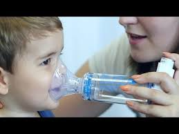 ventoline chambre d inhalation inhalation d un aérosol doseur avec chambre d inhalation et masque