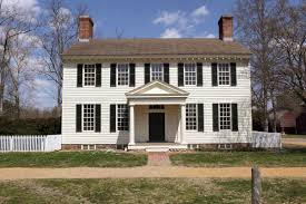 popular architectural styles consider while house hunting colonial home