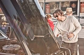 celebrity drive chips star dax shepard motor reviews motor