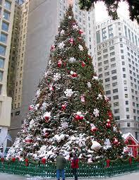 102nd annual tree lighting ceremony raffaello chicago hotel