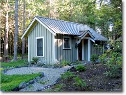 Backyard Cottage Ideas by Decoration In Backyard Cabin Ideas Small Backyard Guest House