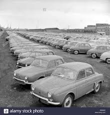 renault cars car park renault cars pictures show some of the 3 to 4 thousand