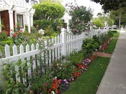Garden Fencing Ideas Uk 8 Cheap Fencing Ideas Inspiration For The Frugal Gardener