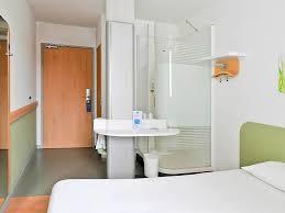 hotel a nimes avec dans la chambre hotel in nimes ibis budget nimes centre gare