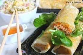 cuisiner des nems recette de nems crevettes saumon fumé et menthe accompagnés de riz