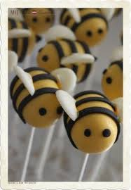 bumble bee cupcakes best 25 bumble bee cupcakes ideas on bee cupcakes
