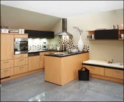 meuble cuisine bois plan de cuisine bois cuisine appartement parisien de 60m2 gcg