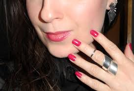 plum lips and nails of the day makeup4all