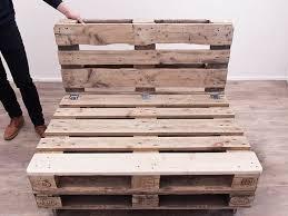 divanetti fai da te come costruire un divano con i pallet