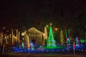 noccalula falls christmas lights 2017 can t miss alabama kicks off the holiday season with festival of
