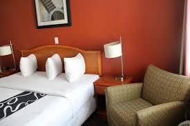 Comfort Inn And Suites Memphis Vista Inn U0026 Suites Downtown Memphis 2017 Room Prices Deals
