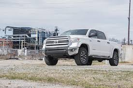 tundra 2 5 3in front leveling lift kit for 07 17 toyota 4wd tundra