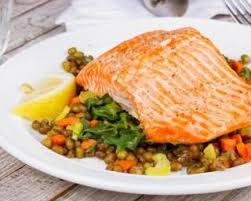 comment cuisiner le pavé de saumon recette de pavé de saumon aux lentilles carotte et coeur de céleri