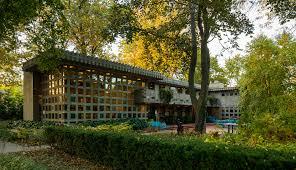 frank lloyd wright inspired home with lush landscaping turkel house detroit s frank lloyd wright house tbd magazine