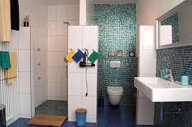 bad mit mosaik braun bad mosaik kreative bilder für zu hause design inspiration