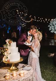 photos of the day a inside julianne hough u0027s perfect wedding to brooks laich exclusive