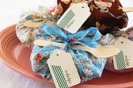 party favors ideas for easy cheap diy party favors hgtv
