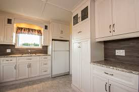 armoire de cuisine cuisine chêtre classique composée d armoires de cuisine en