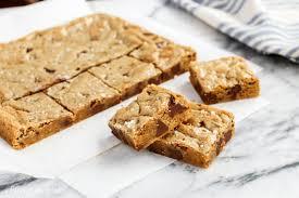 Smitten Kitchen Blondies One Bowl Almond Chocolate Chunk Blondies With Sea Salt U2022 A