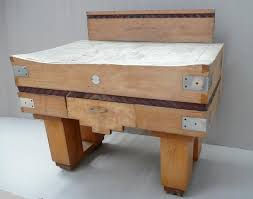 antique french butcher table this vintage french butcher s block looks very well used do you