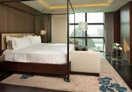 Schlafzimmer Und Bad In Einem Raum Hotels In Kiew Hilton Kyiv Kiew