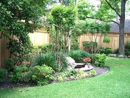 Privacy Fence Ideas For Backyard Privacy Fence Landscaping Ideas Fence Landscaping Landscaping