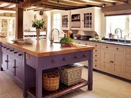 kitchens designs with island