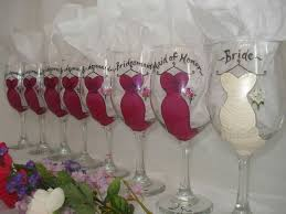 honeymoon shower gift ideas best 25 bridesmaid presents ideas on
