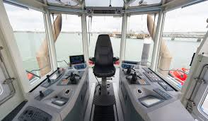 powerful azimuth rotor tug 80 32 with 5295 bkw