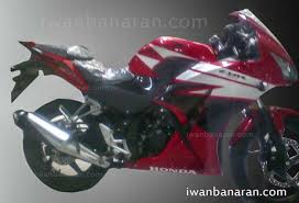 honda cbr r150 spy shots face lifted honda cbr 150r indonesian launch this weekend
