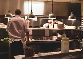 travailler en cuisine travailler sans diplôme dans la restauration collective cidj
