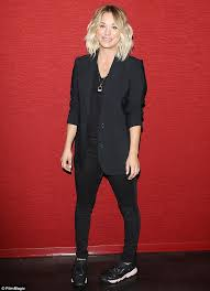 kaley cuoco gets hair extensions after wrapping season nine of the