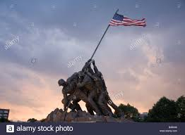 Flag Iwo Jima The Marine Corps War Memorial Depicts Us Soldiers Raising A Us
