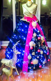 Blue Christmas Decorations Ireland by The Fashionista Christmas Tree Emerald Interiors Blog