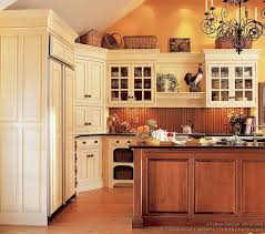 Kitchen With Off White Cabinets Best 25 Antiqued Kitchen Cabinets Ideas On Pinterest Antique