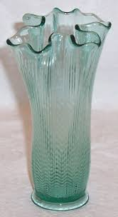 Handkerchief Vase Glass Lady Fenton