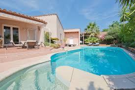 jardin paysager avec piscine villa 4 faces de plain pied de 144m à vendre saint cyprien