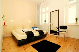 Schlafzimmer Betten H Fner Ferienwohnung 3000 Apt Berlin Mitte Deutschland Berlin Booking Com