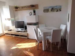 Kleine Wohnzimmer Richtig Einrichten Wohnzimmer Kleine Wohnung Ruhbaz Com Einfach Kleine Wohnung