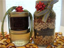 holiday gifts 10 frugal and homemade gift ideas squawkfox