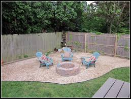 Diy Fire Pit Patio by Diy Fire Pit Yards Backyard And Pea Gravel