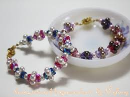 flower beads bracelet images Easy 4 petal crystal flower beaded bracelet tutorials the jpg
