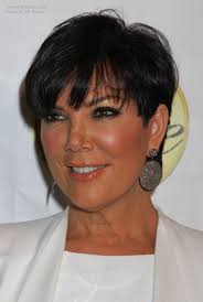 what is kris jenner hair color kris jenner wearing her hair short with the sides clipped over her