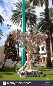 miami florida lincoln road mall tree menorah
