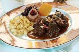 cuisiner le sanglier avec marinade civet de sanglier façon grand mère par michel marck