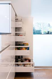 vorratsschrank küche moderne küche bilder vorratsschrank mit innenauszü simple